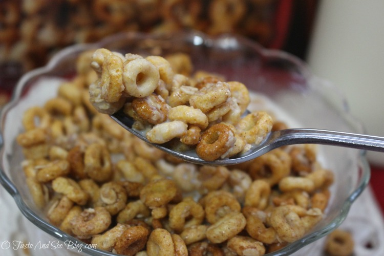 Cheerios Oat Crunch #CheeriosOatCrunch #ad