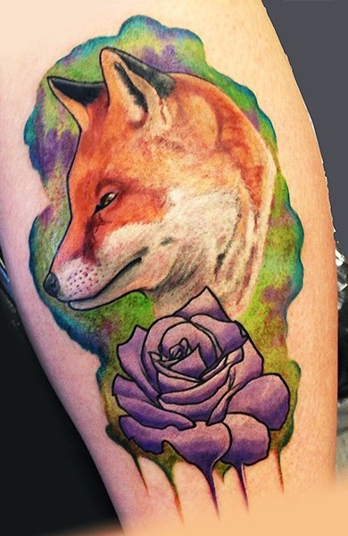 Кот в виде татуировки на руке
