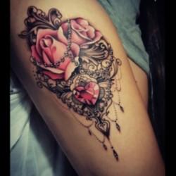 Узор кружево с розами и сердцем