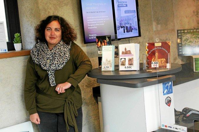 hotesse a l accueil de l office de tourisme marie