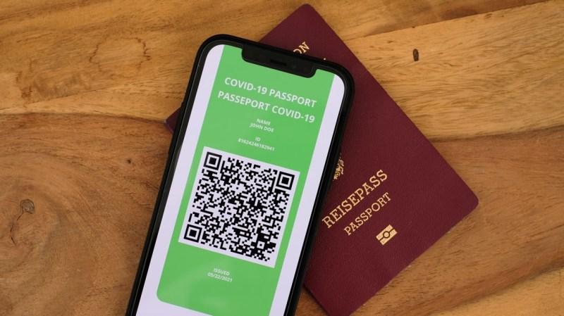 passeport sanitaire comment recuperer le qr code qui permet de voyager dans lue