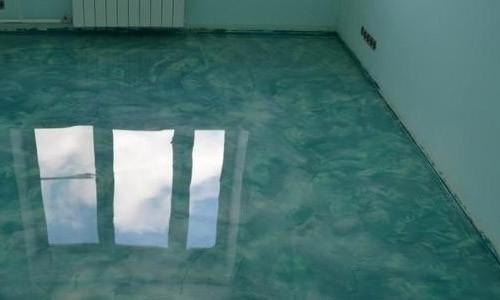 наливной пол зеленоватый