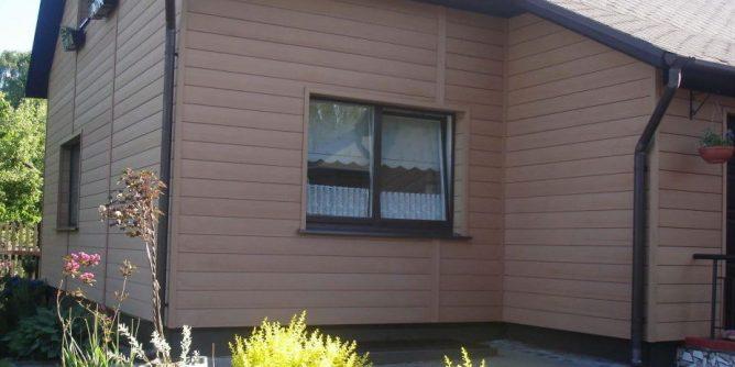 сайдинг дома из древесно-полимерного композита