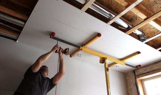 монтаж стекломагниевого листа на потолок