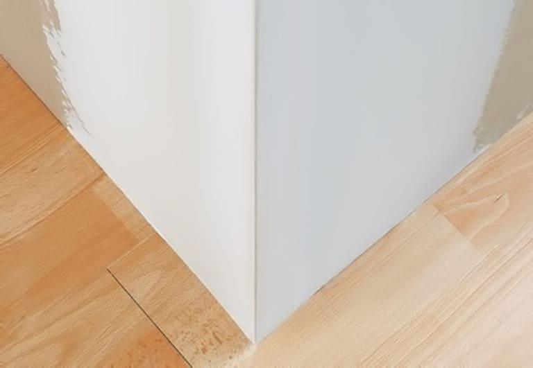 Cara menempatkan sudut-sudut dinding