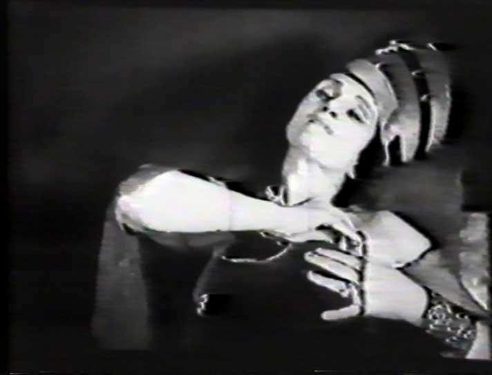 Алиса Коонен в спектакле «Египетские ночи», 1934