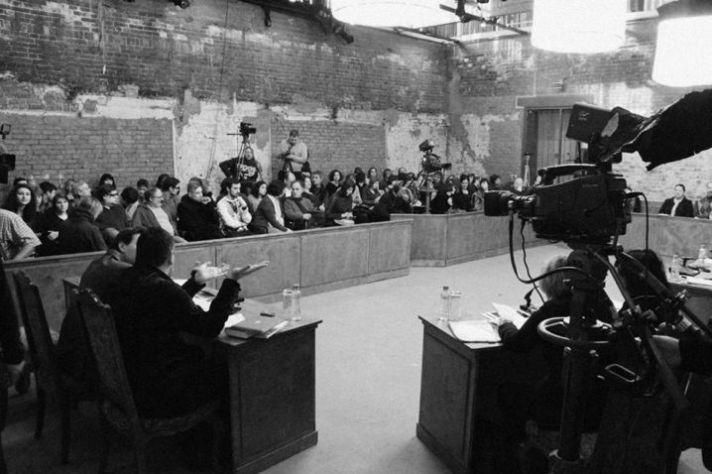 Сцена из «Московских процессов», реж. Мило Рау, International Institute of Political Murder совместно с Сахаровским центром, 2013