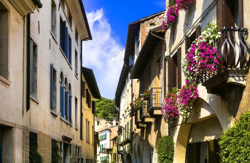 Off-the-Beaten-Path Day Trips From Venice: Asolo