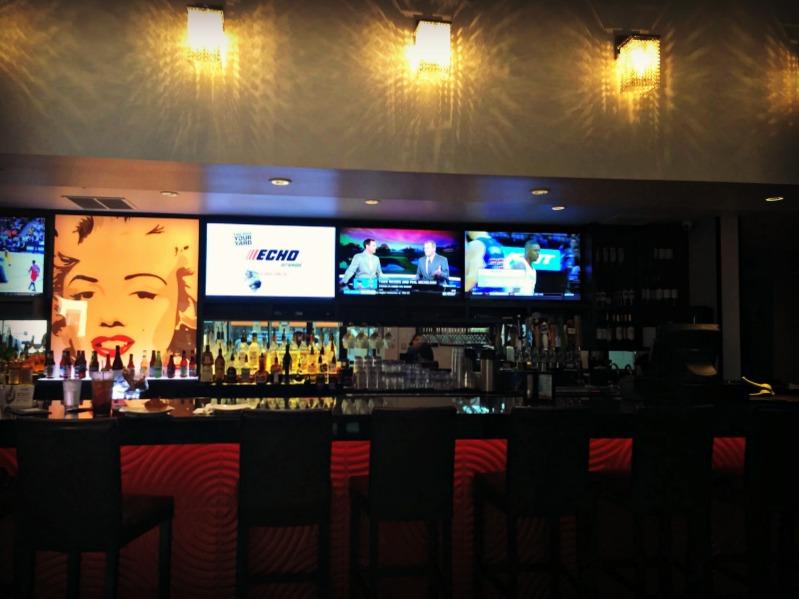 Star Cinema Grill Bar