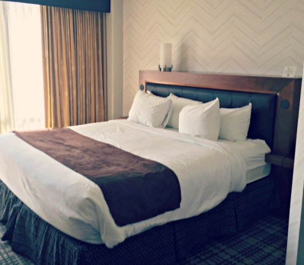 A review of the Pheasant Run Resort in St. Charles Illinois. Stay in a Tower Room for outstanding views.