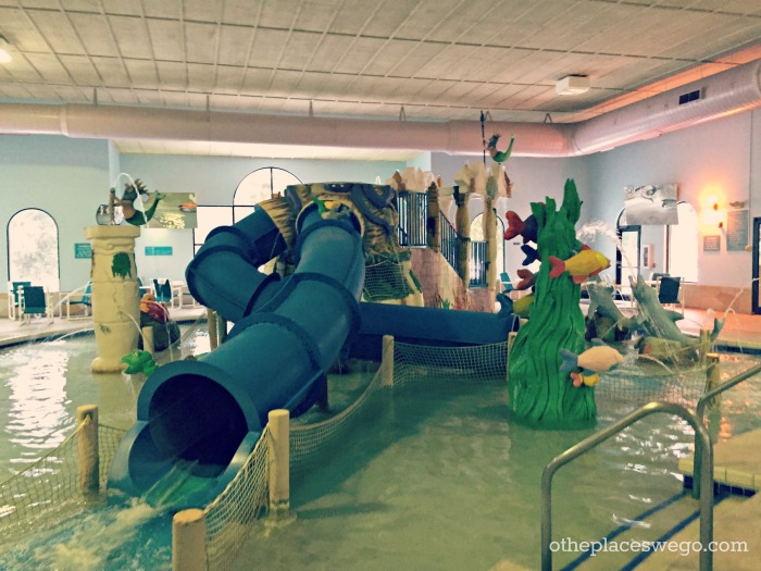Hotel Review: Atlantis Hotel and Waterpark in Wisconsin Dells