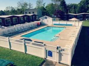 Naders Motel and Suites - Pool