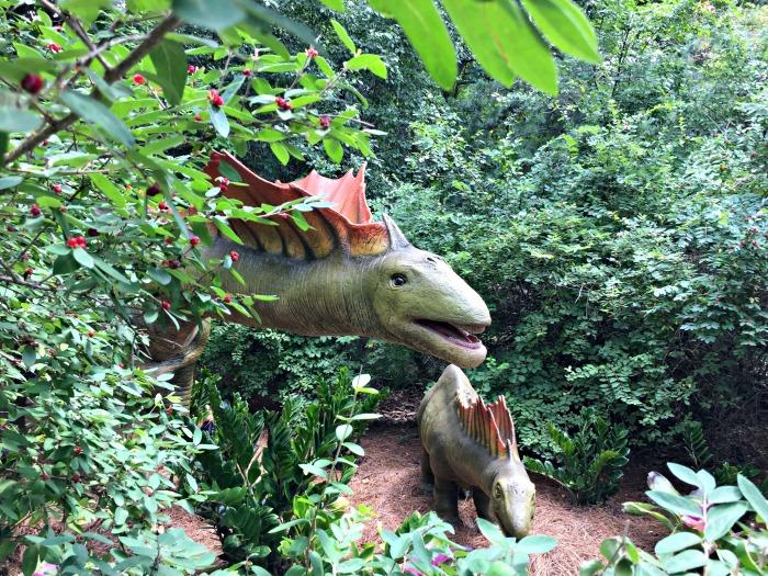 Dinosaur fun at Milwaukee County Zoo