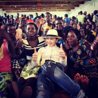 """Thinking of all the amazing Mothers. In the world working to build better lives! Happy Mothers Day!#rayoflight #raisingmalawi #revolutionoflove "" -Madonna"