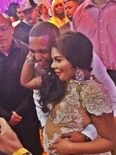 lil-kim-gives-birth-to-royal-reign