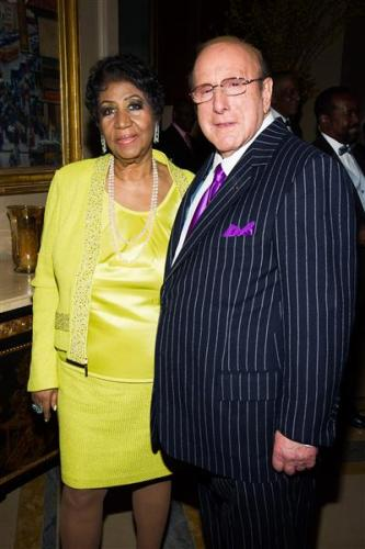 Aretha Frankiln and Clive Davis Photo Credit Charles Sykes _ Invision _AP _ OTHER SIDE OF THE FAME