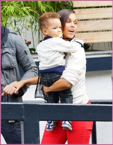 Alicia Keys & Son Egypt Visit ITV Studios