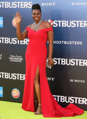 Leslie-Jones-Christian-Siriano-Ghostbusters-Premiere-Dress red trane