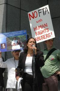 Protestors rally against the U.S.-Colombia free-trade agreement. (b. wu / Flick)