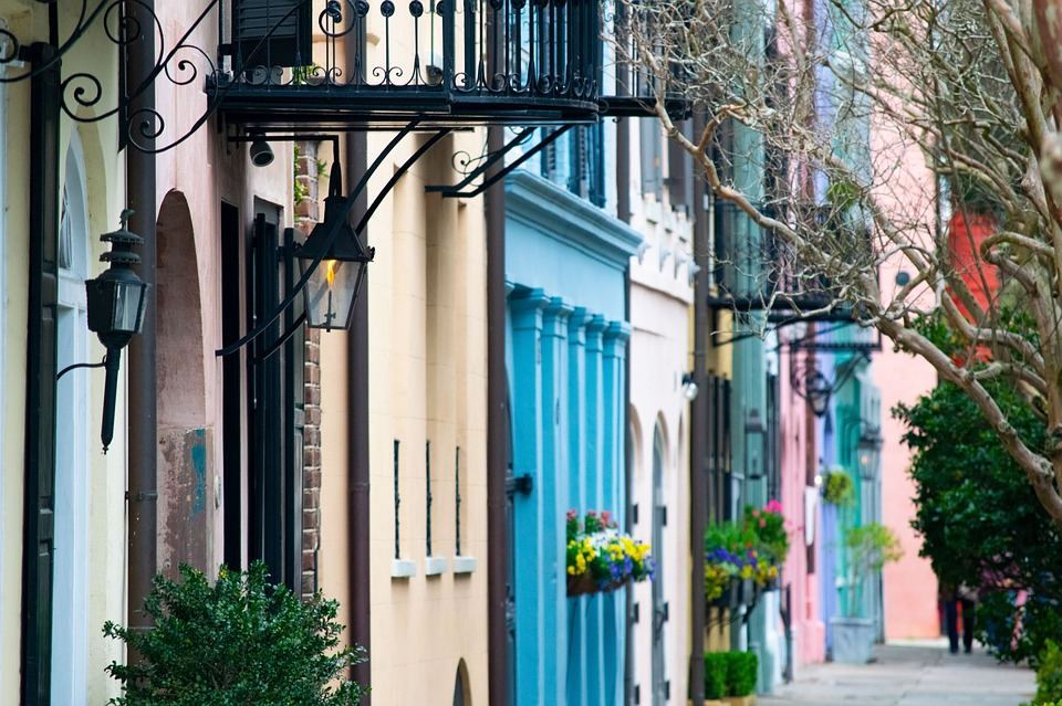 Do you want to vacation at a witchy spot with history, hauntings and good food? Charleston is the place for you!