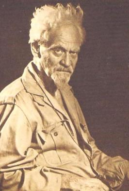 Gerald Gardner, Famous Witch