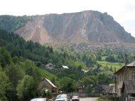 Carpatbeton hat den Berg geklaut.