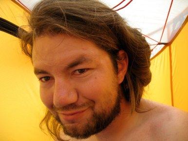 Ja, ich gebe es zu: ich bin schlecht rasiert.