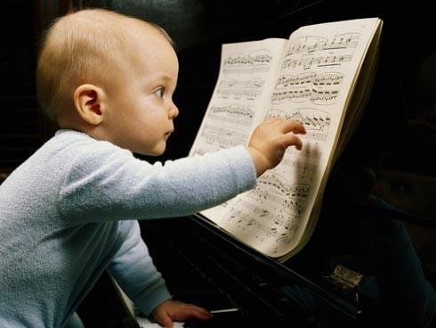 bebé músico