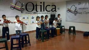 ¡Música, maestro! Cantando también aprenden