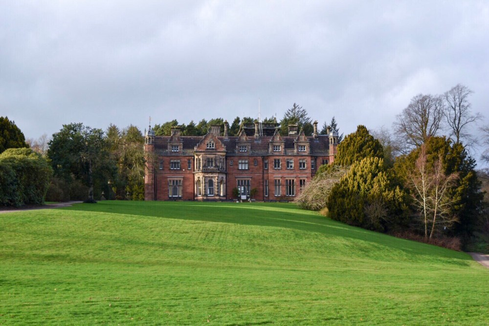 Explore the grounds of Keele woods and enjoy a free family day out in Staffordshire