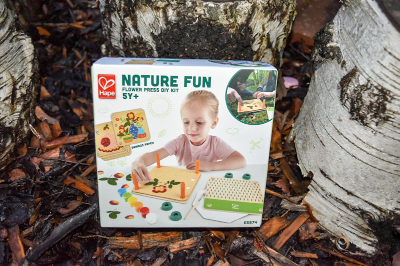 nature fun flower press kit by Hape, wooden toy ideas for kids
