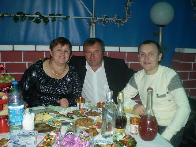 Николай Мей с женой и сыном