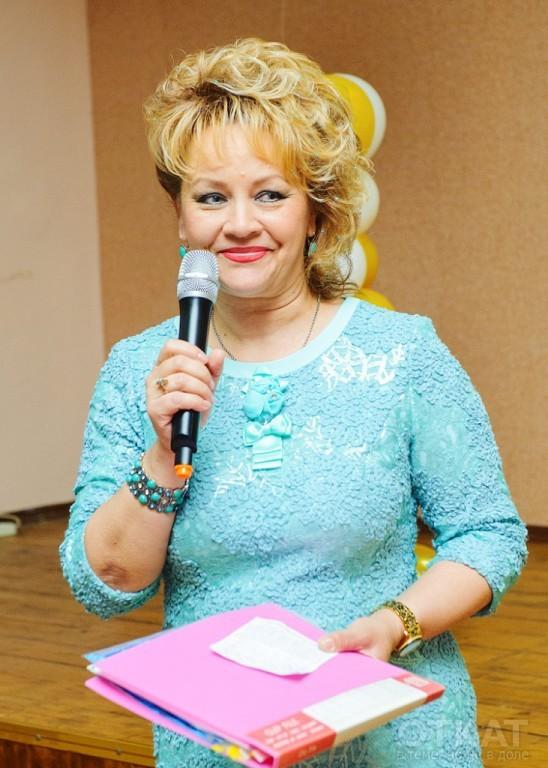 """Директор сш №80 Северина Писаренко, фото с ее страницы в """"Одноклассниках"""""""