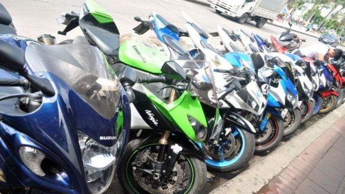 paduan polisi beli motor bekas