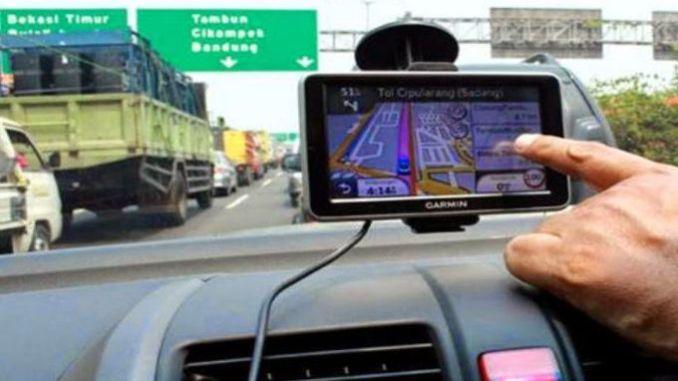 Manfaat Memasang GPS di dalam mobil