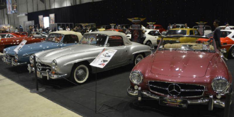 Perayaan Mobil-mobil Dunia Hadir di OICC-Show 2015