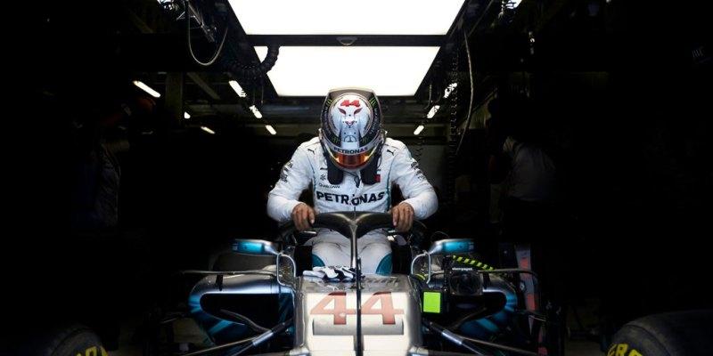 Andalkan Mesin Segar, Hamilton Kuasai Latihan di Perancis