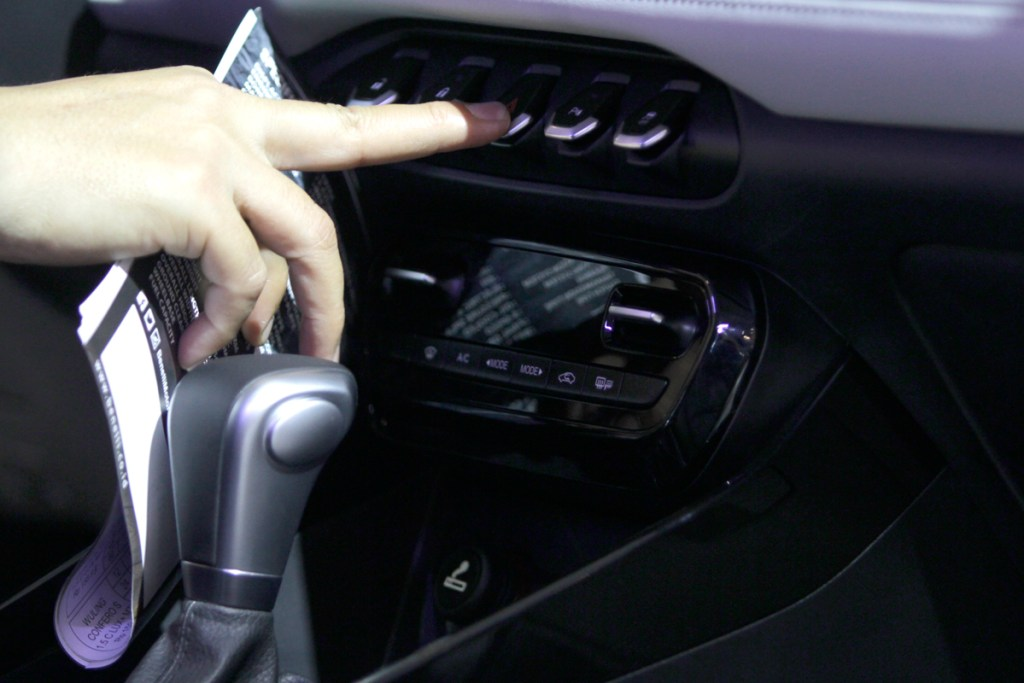 Berbagai Fitur Yang Disematkan Pada Wuling SUV