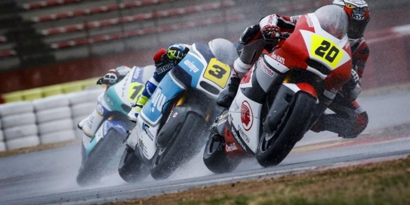 Kondisi Hujan, Dimas Ekky Podium di CEV Moto2 Albacete