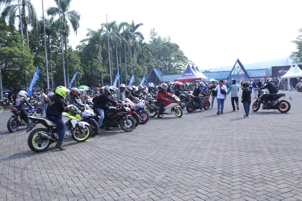 NGK Ajak Ratusan Bikers Nonton ARRC Sentul
