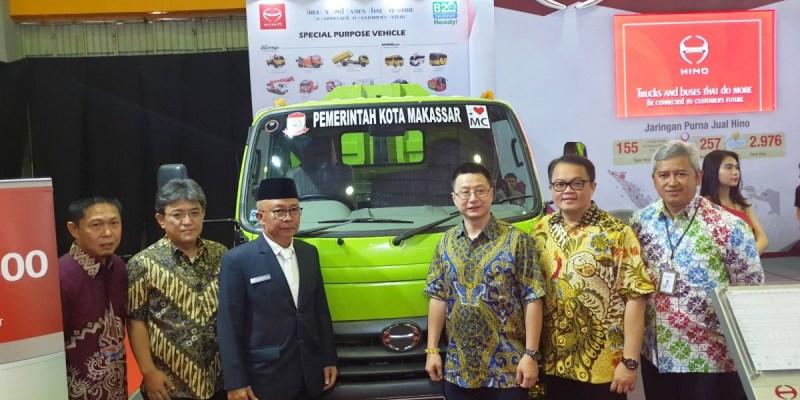 Hino Pamerkan Dua Truk Andalan di IIMS Makassar 2018