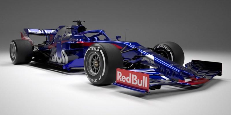 Scuderia Toro Rosso STR14 Berbagi dengan Red Bull Racing