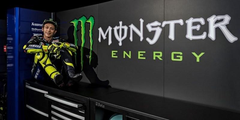 Tanggapan Valentino Rossi Pakai Jubah Baru