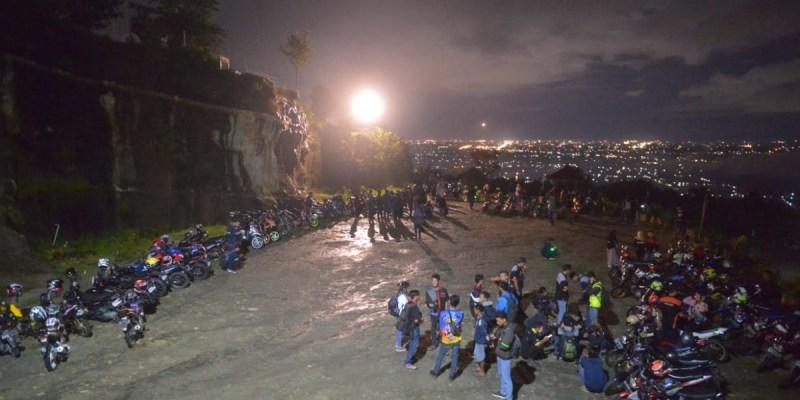 Ratusan Bikers Suzuki Kompak Ramaikan Suzuki Saturday Night Ride