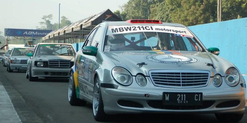 Dukungan MB W211 CI Motorsport Untuk Balap Nasional