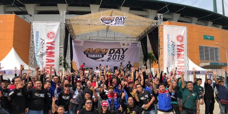 Ribuan Maxi Yamaha Serbu Stadion Pakansari Cibinong