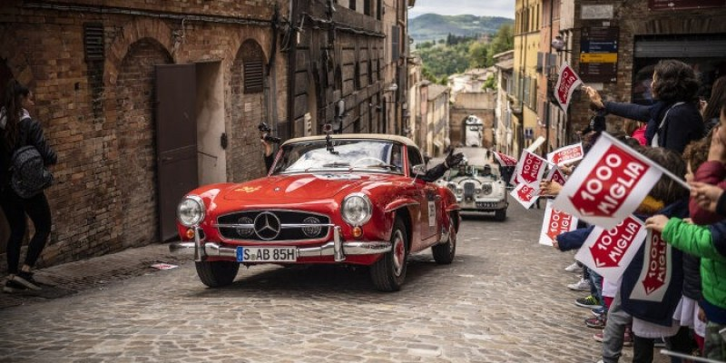 "Mercedes-Benz di 1000 Miglia Rayakan ""125 Years of Motorsports"""