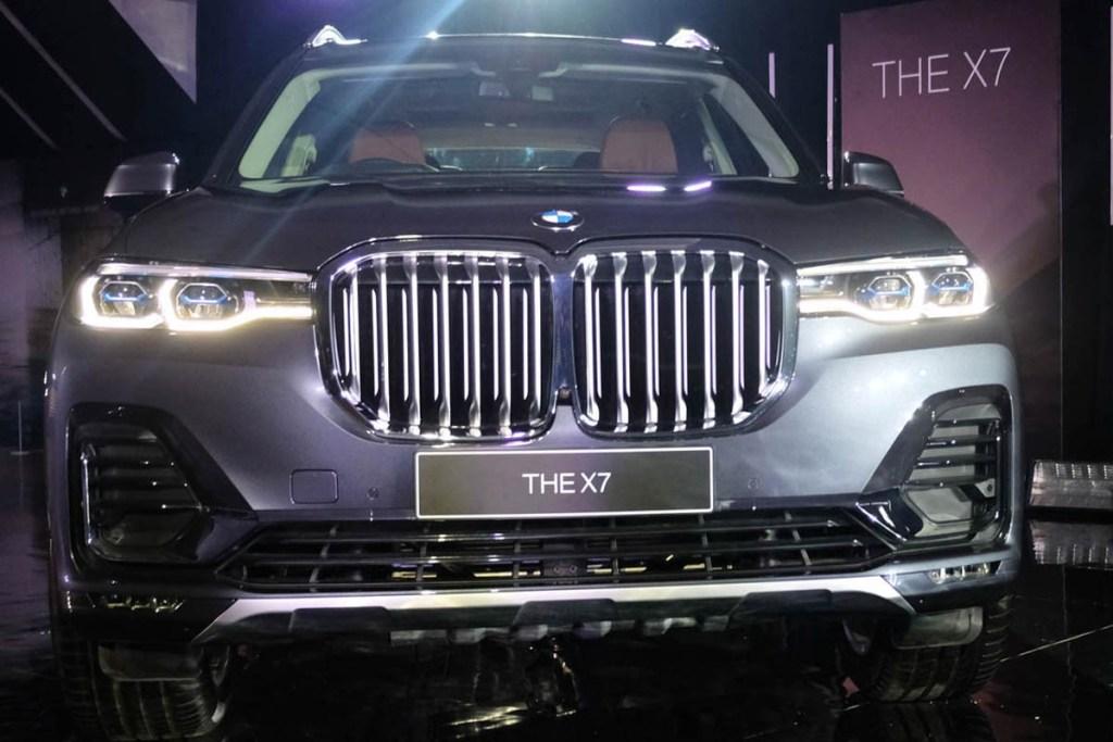 BMW X7, Antara Kemewahan dan Fleksibilitas