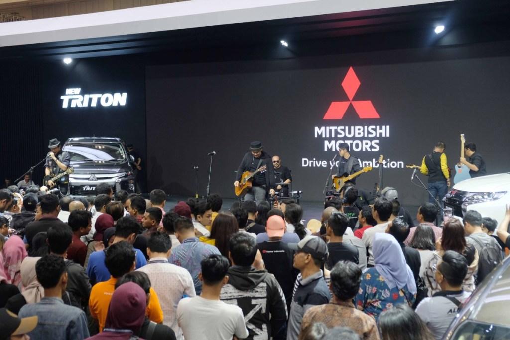 Penampilan Padi Reborn di Booth Mitsubishi GIIAS 2019