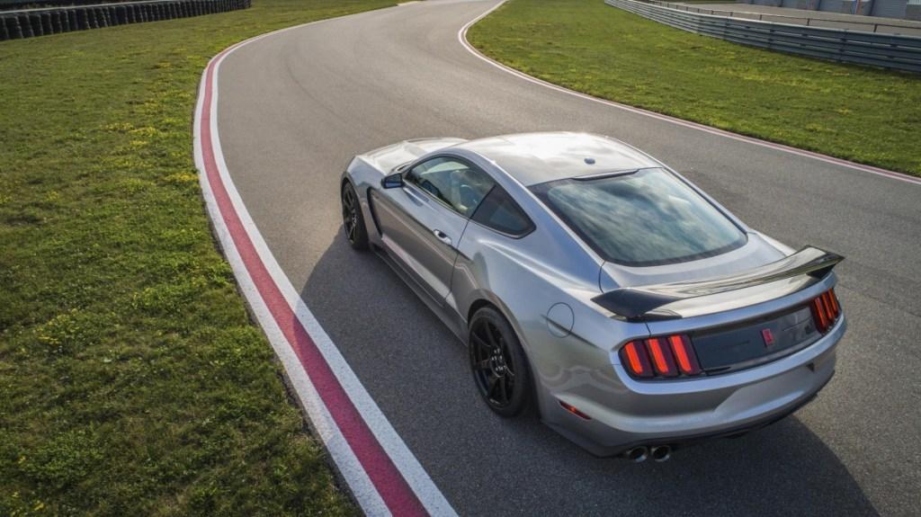 All New Mustang Shelby GT350R, Lebih Lengkap!